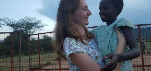 Animatorka Magdalena Kowalik w czasie rekolekcji oazowych w Kenii i Tanzanii w 2019 roku. Foto: arch. prywatne